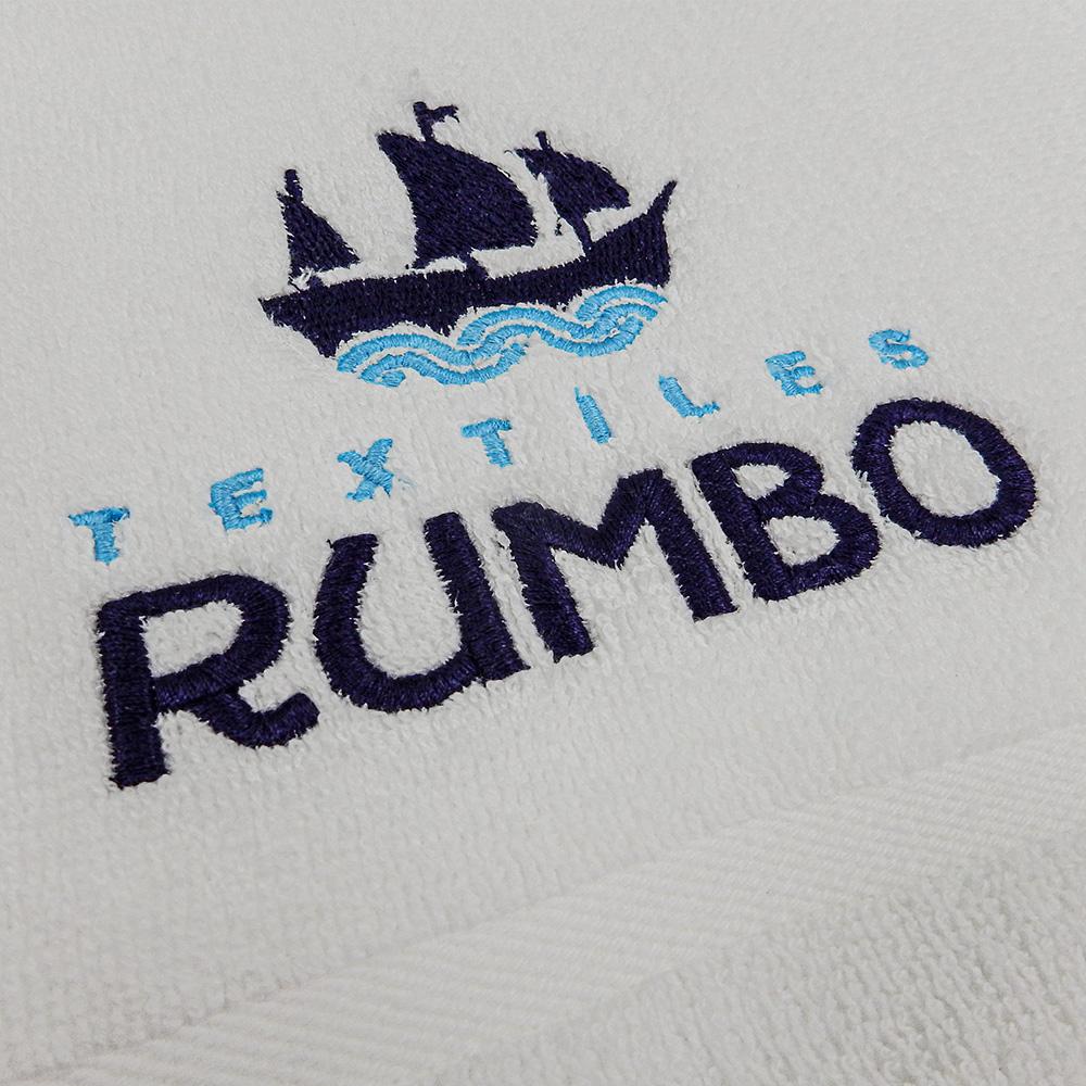 Personalización con logotipo bordado.
