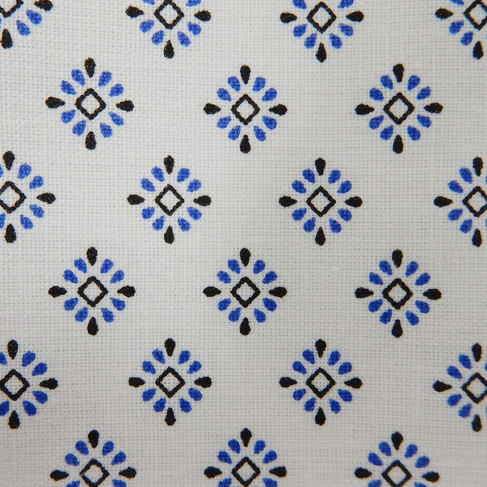 iberosa-textiles-rumbo-bata-paciente-hospital-snowflakes-detalle